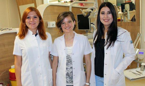 Diş hastanesine iki protez uzmanı