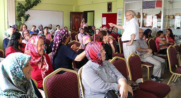Kadın Meclisi'nden 'Mutlu Aile' seminerleri