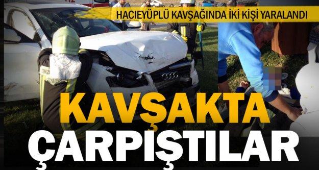 Hacıeyüplü Kavşağında kaza: 2 yaralı