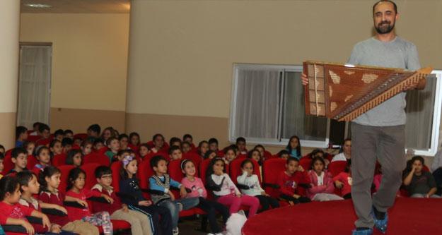 Öğrenciler Türk enstrümanları ile buluşuyor