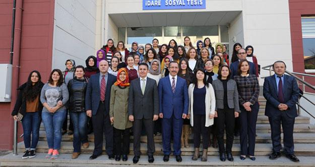 Rektör Bağ'dan kız öğrencilere: Siz bize emanetsiniz