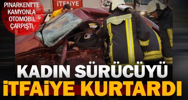 Pınarkert'teki kazada sürücü araca sıkıştı