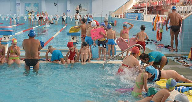 Atatürk Yüzme Havuzu kapılarını açtı