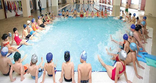 Denizlispor Yüzme Akademisi'nden çocuklara davet