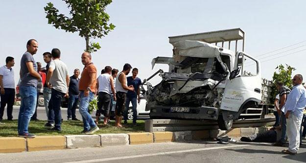 Organize yolundaki kaza ucuz atlatıldı