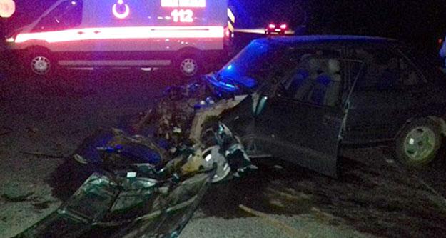 Acıpayam'ta iki araç çarpıştı: Biri ağır 5 yaralı