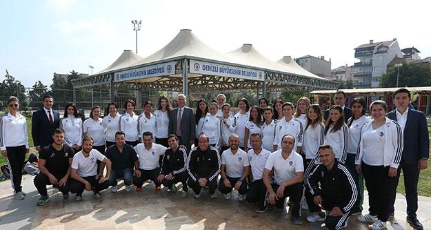 Başkan Osman Zolan, spor eğitmenleriyle buluştu