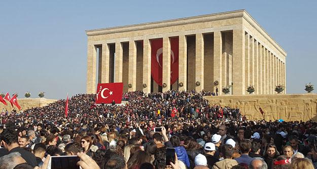 Anıtkabir'de binlerin içinde Sarayköylü gençler de yer aldı