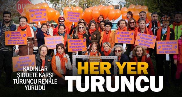 Kadınlar şiddete karşı turuncu renkle yürüdü