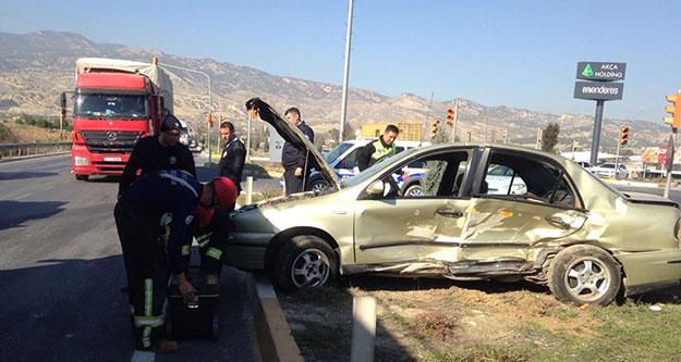 Sarayköy'deki kazada biri çocuk üç kişi yaralandı