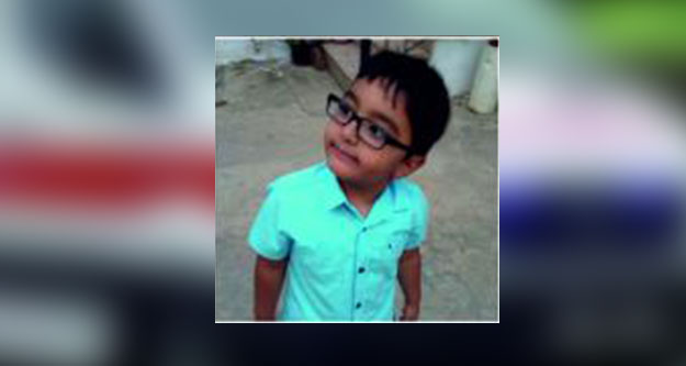 Yola fırlayan 4 yaşındaki Mehmet Eren ağır yaralandı