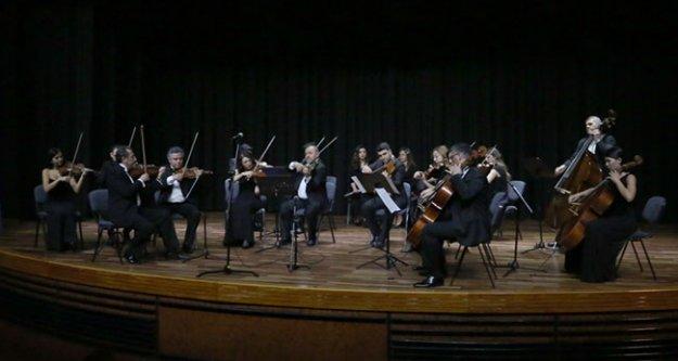 PAÜ Akademik Oda Orkestrası'ndan Yeni Yıl Konseri