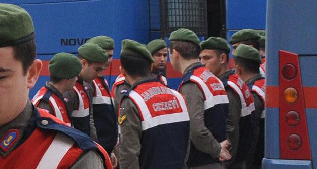 FETÖ'nün 'emniyet yapılanması' davasında 5 tahliye