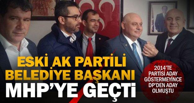 Ak Parti'den DP'ye geçen eski başkan şimdi MHP'li oldu