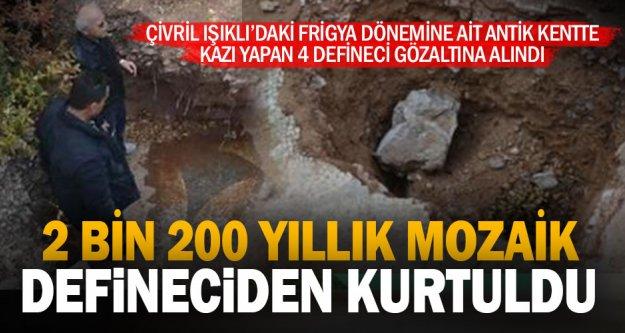 Antik kentte kaçak kazı yapan 4 kişi yakalandı