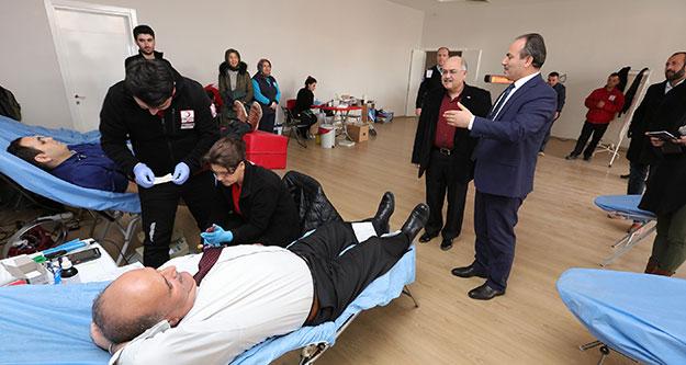 DESKİ'den geleneksel kan bağışı