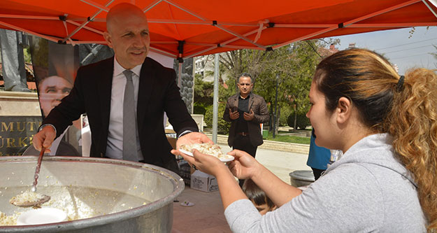 Sarayköy'de Şehitler için pilav ve lokma hayrı