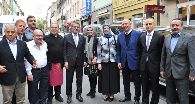 Dr. Ramazanoğlu: İslamofobinin ilk hedefi Müslüman kadınlar