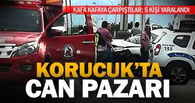 Korucuk'ta iki araç kafa kafaya çarpıştı: 5 yaralı