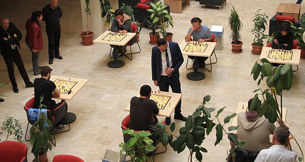 Öğrencilere satranç daveti