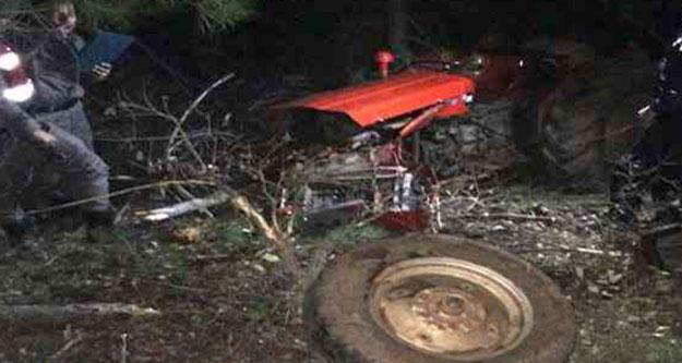 Traktör paramparça oldu, karı koca ölümden döndü