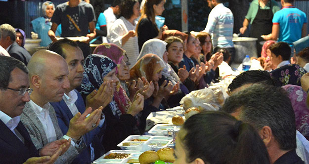 Sarayköy'ün iftar sofrası Hasköy'e kuruldu