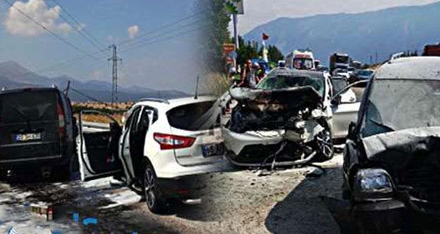 Cip ile ticari araç çarpıştı: 5 yaralı