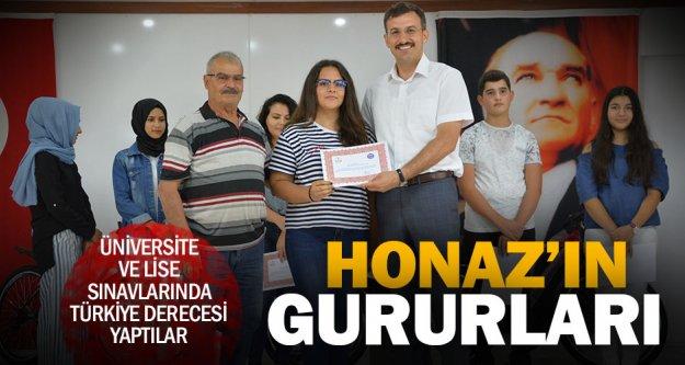 Honaz'ın başarılı öğrencilerine teşekkür