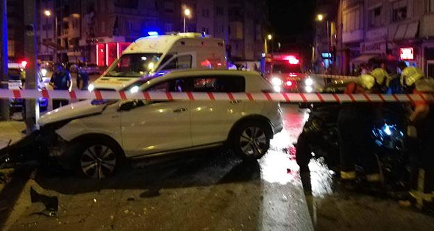 Kavşakta kaza: 4 yaralı