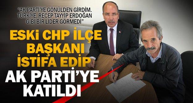 CHP'nin 8 yıllık başkanı eşiyle birlikte Ak Parti'ye katıldı