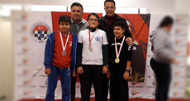 430 minik satranççı şampiyonluk için yarıştı