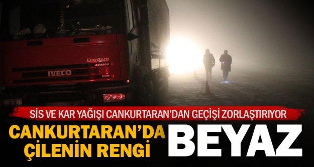 Denizli- Antalya Karayolu'nda sis ve kar ulaşımı aksattı