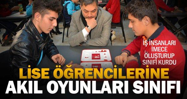 Lise öğrencileri, akıl oyunları ile kendilerini geliştirecek