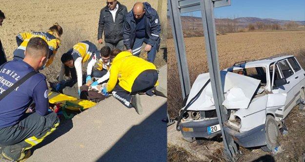 Tabelaya çarpan sürücü yaralandı