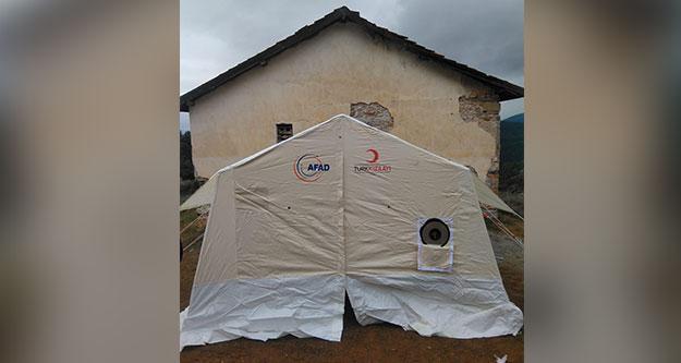 Depremzedeler oylarını çadırlarda kullanacak