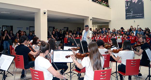 PAÜ Gençlik Oda Orkestrası dinleyicileri mest etti
