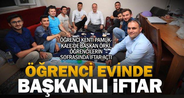 Pamukkale Belediye Başkanı Örki, öğrenci evinde iftar açtı