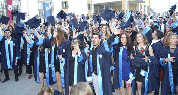 Buldan MYO'dan 100 öğrenci mezun oldu