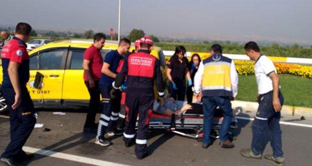 Taksi ile otomobil çarpıştı: 2 yaralı