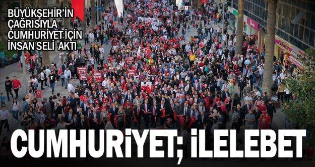 Denizli'nin Cumhuriyet aşkı, sokaklara sığmadı