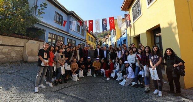 Erasmus öğrencileri Rektör Prof. Dr. Bağ ile Buldan'ı gezdi