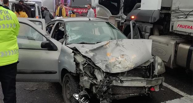 Sarayköy'de zincirleme trafik kazası: 3 yaralı