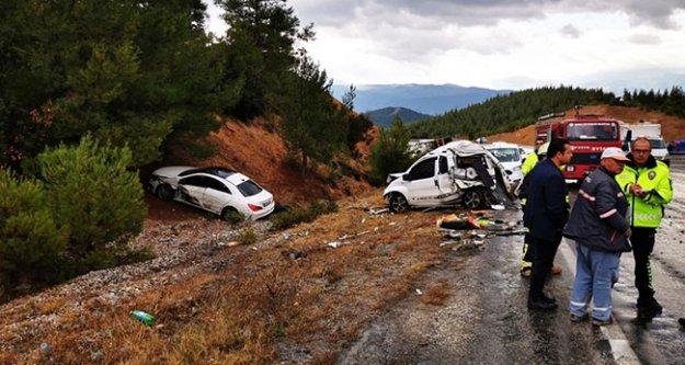 Zıpır rampasında trafik kazası: 3 yaralı