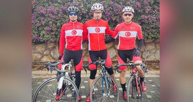 Denizlili 3 bisikletçiye milli davet