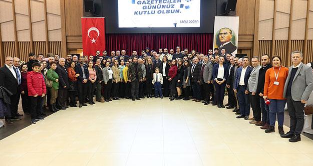 Başkan Doğan'dan gazetecilere kutlama yemeği