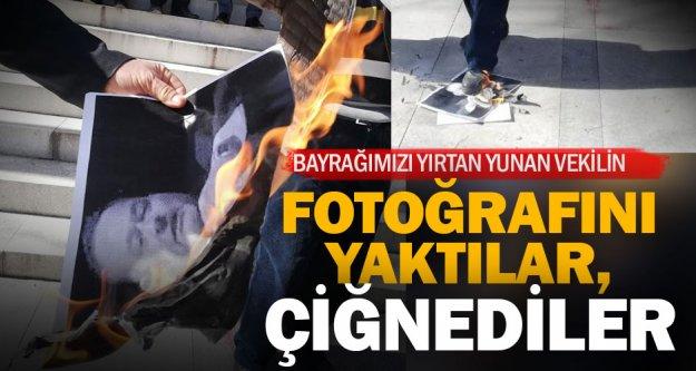 Bayrağımızı yırtan Yunan milletvekili protesto edildi, fotoğrafları yakıldı