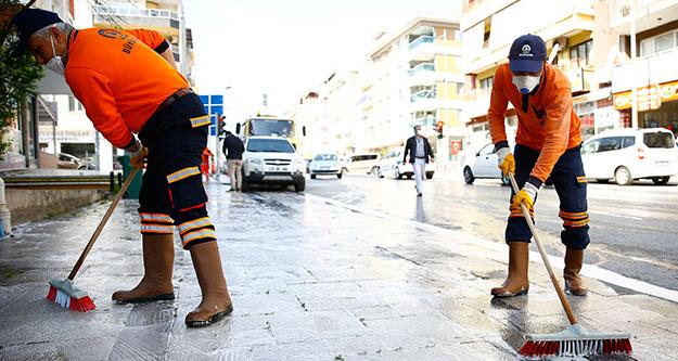 Emek ve İnönü Caddesi yıkanıp dezenfekte edildi