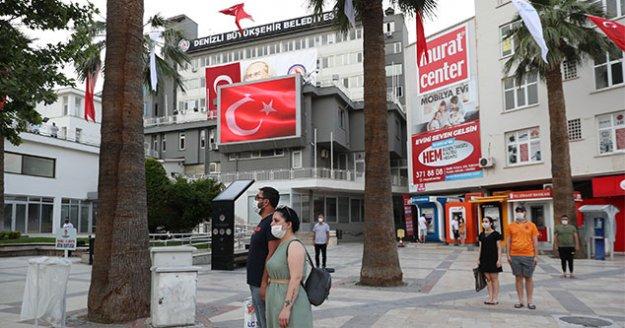 Büyükşehir'den dev ekranda İstiklal Marşı