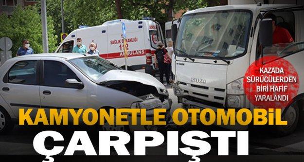 Merkezefendi'de kamyonetle otomobil çarpıştı: 1 yaralı