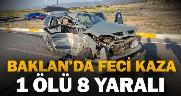 Minibüsle otomobil çarpıştı: 1 ölü, 8 yaralı